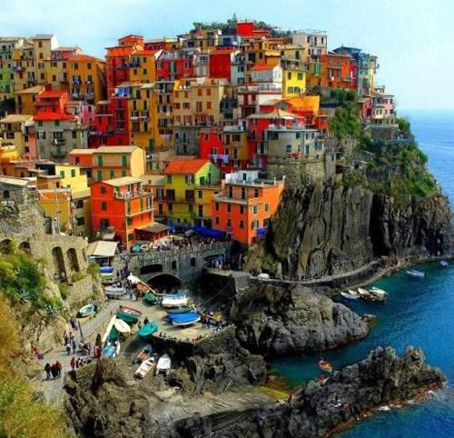 Riomaggiore Italy  city pictures gallery : Riomaggiore Cinque Terre, Italy Menz Magazine