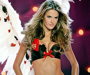 Hot Alessandra Ambrosio Fashion Model