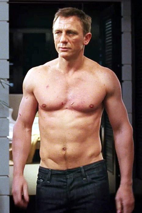 Daniel_Craig_Body.jpg