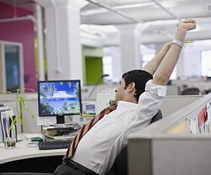 5 Exercises You Can Do While at Work