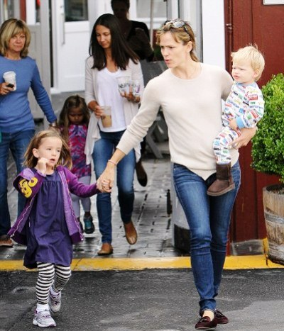 Jennifer Garner & Ben Affleck's Son Samuel Has Awesome Pajamas 1