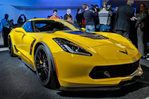 2015 Corvette Z06 Breaks Cover, goes Supercharged to Get 625 Horses Under the Hood