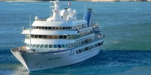 Top 5 World's Largest Yachts