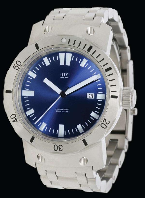 UTS 4000M Dive Watch