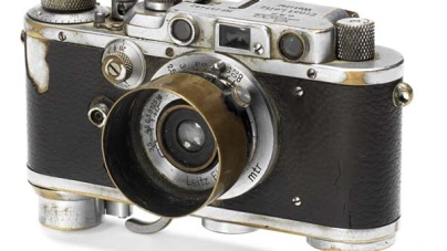 Yevgeni Khaldeis Leica III To Be Auctioned