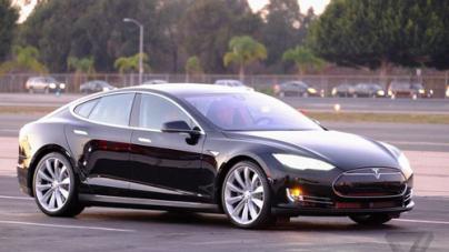 Tesla unveils exotic features, go-fast Model S P85D
