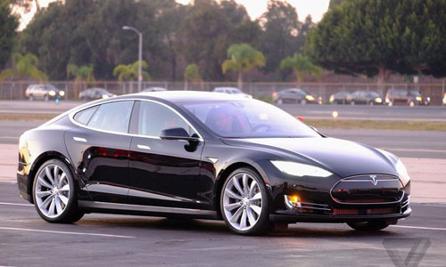 Tesla unveils exotic features, go-fast Model S P85D
