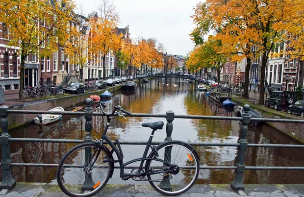 Amsterdam_attractions_and_Food_Tips