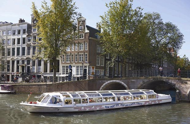 Amsterdam_Travel_attractions_canal_cruise