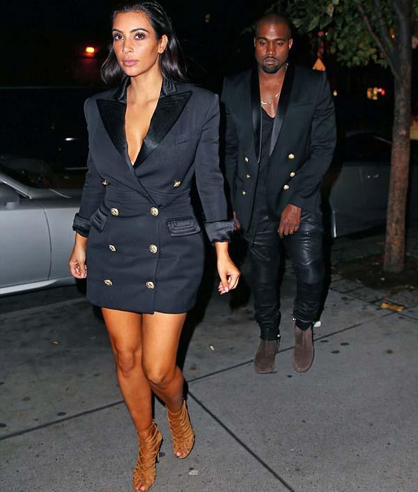 Kim_Kardashian_showing_cleavage_1