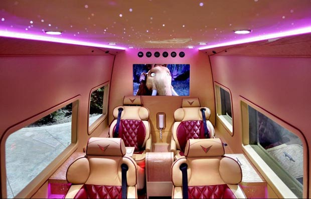 Tyrese_Gibson_Mercedes-Benz-Rolls-Royce-Ghost-Sprinter-six-seat-interior