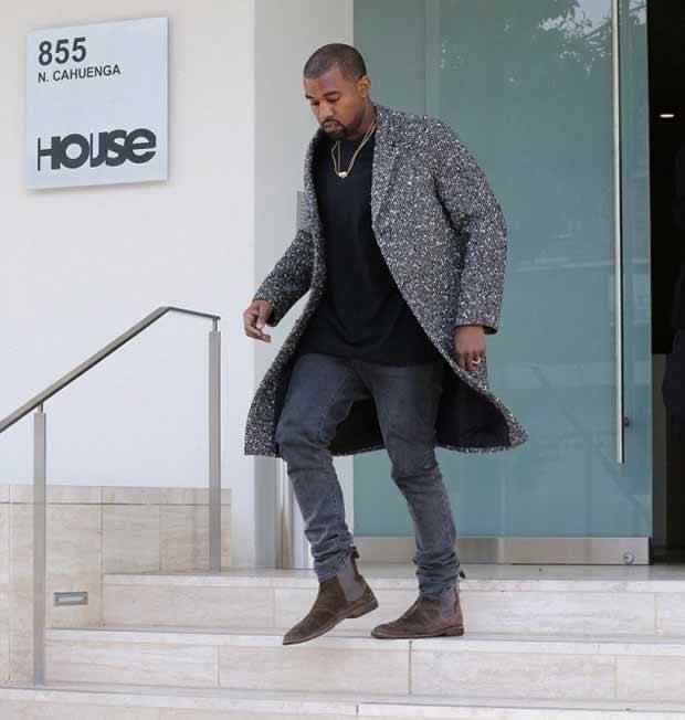 Kanye_West_Sports_a_Glum_look_3
