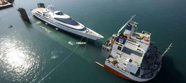 yacht-yas