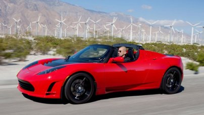 2015 Tesla charges up Roadster 3.0 with 400 mile range