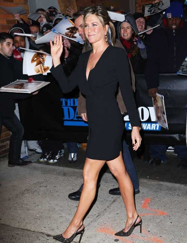 Jennifer_Aniston_Daily_Show_Jon_Stewart_NYC_1