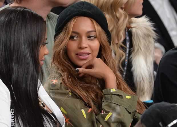 Beyoncé_and_Jay_Z_NBA_All-Star_game_3