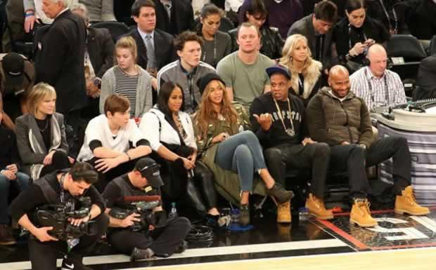 Beyoncé_and_Jay_Z_NBA_All-Star_game_4