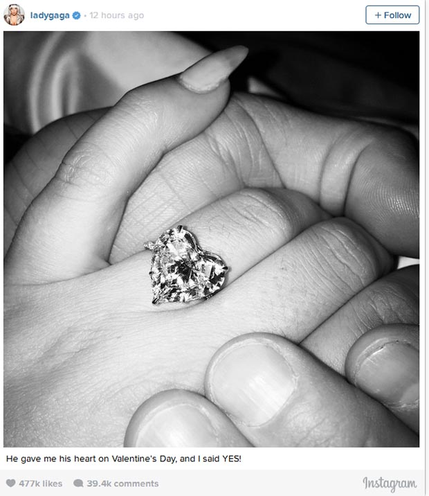 Taylor_Kinney_proposed_Lady_Gaga_1
