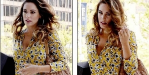 Kelly Brook Looking Great in Yellow Floral Blouse