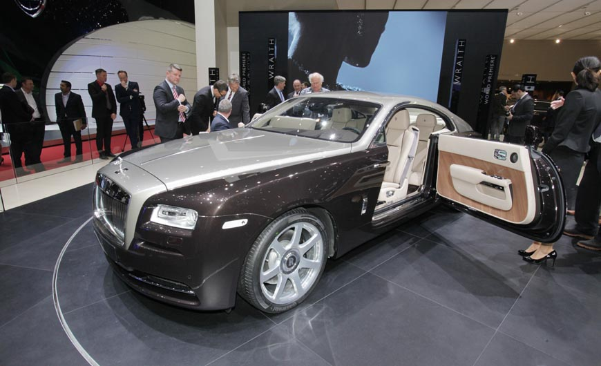 rolls-royce-wraith-front-three-quarter