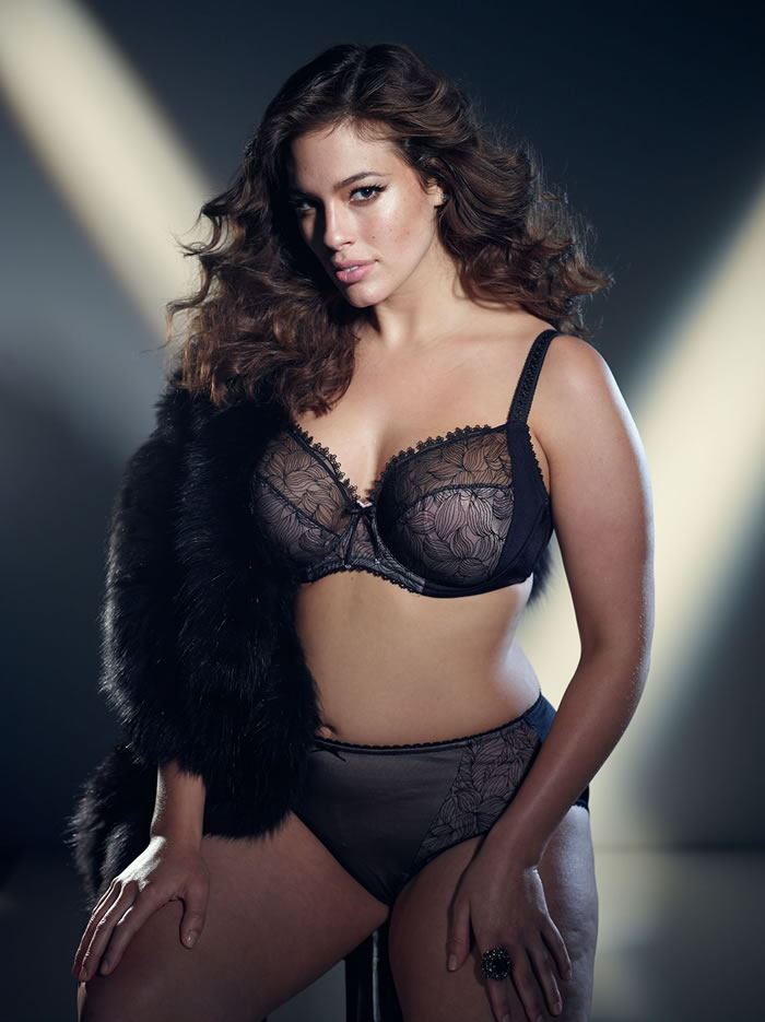Ashley Graham Super Model