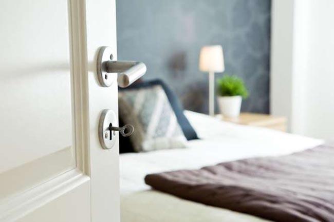 lock_the_bedroom_door