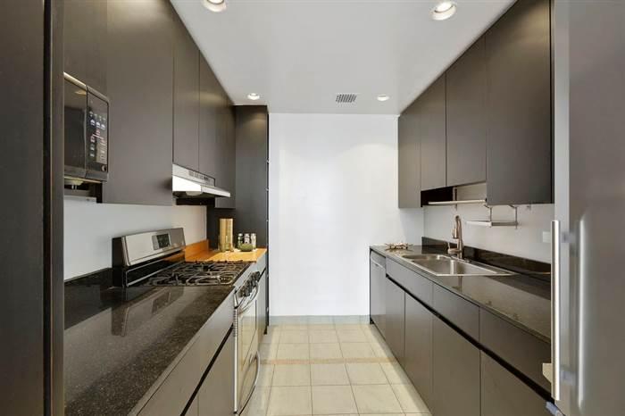 Robert De Niro buys Manhattan penthouse