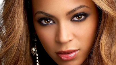 A Year After Tour, Beyonce Back for Husband's Festival
