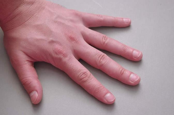 7 Easy Nail Care Tips for Men