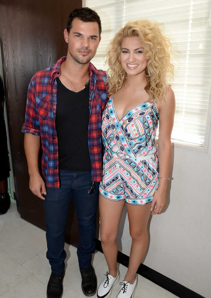 Taylor Lautner and Tori Kelly