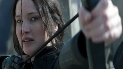Jennifer Lawrence Only Has One Shot in New 'Hunger Games Mockingjay – Part 2' Promo (Video)