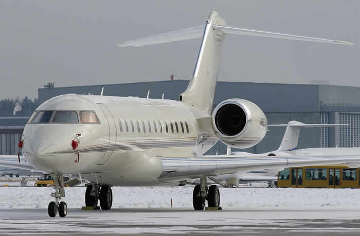 Bill Gates and his Bombardier BD-700 Global Express