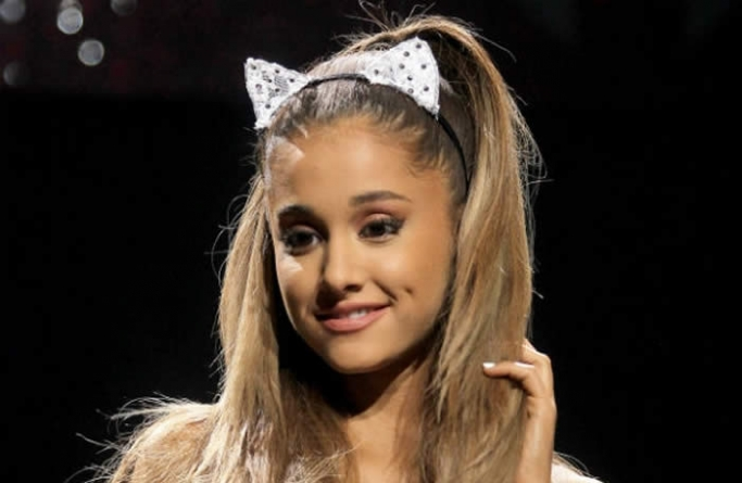 """Ariana Grande Accused Of Plagiarism For """"Be Alright"""""""