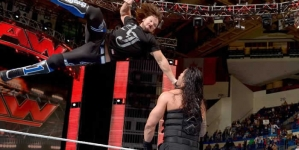 """WWE RAW finally Goes Home """"Right,"""" But Old Habits Die Hard"""