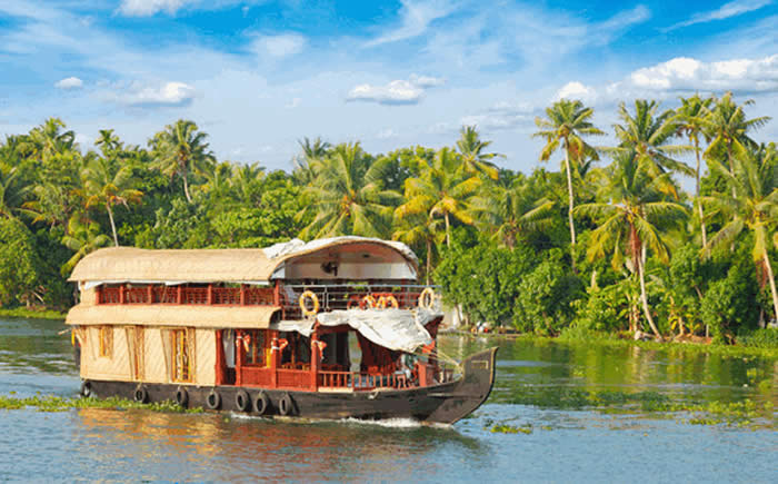 Houseboat Cruise in Kumarakom