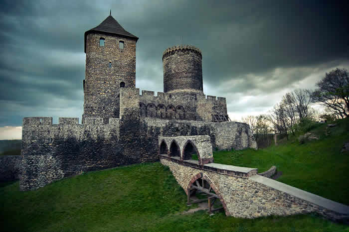 Castle of Będzin by Fotogravity