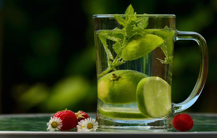Key Benefits of Drinking Water on an Empty Stomach