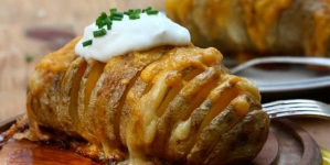 How to DIY Delicious Scalloped Hasselback Potatoes