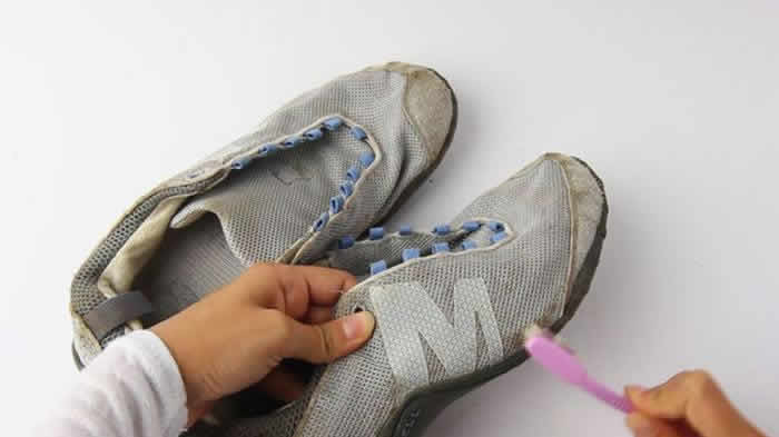 To Clean Your Sneakers