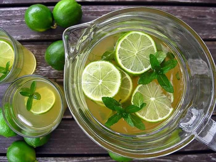 The skinny green tea detox drink