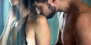 10 Stupidly-Simple Things All Women Want in Bed