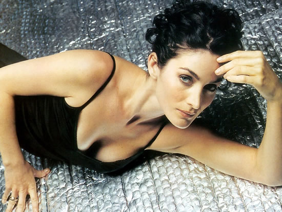 Carrie Anne Moss Pictures