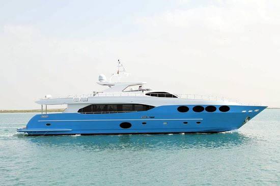 Majesty 105 Superyacht
