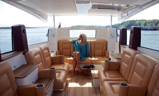 Hodgdon Yachts Hull 413 Limousine Images