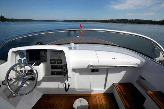 Hodgdon Yachts Hull 413 Limousine Pictures