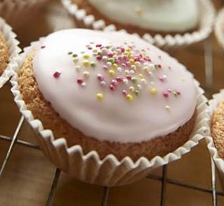 Low-fat Christmas Cupcakes Recipe