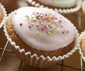 Low-fat Christmas Cupcakes