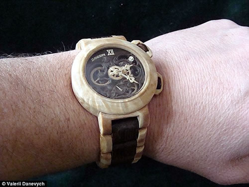 Functioning Watches Entirely from Wood