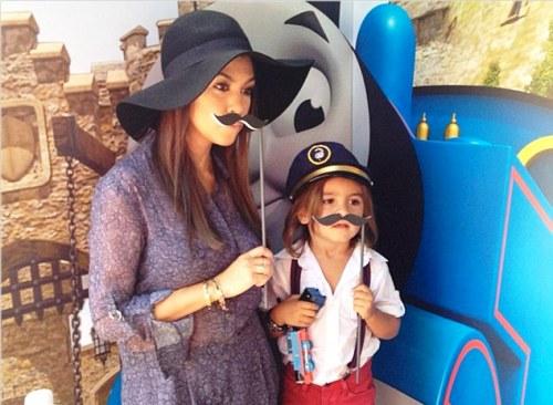Kourtney Kardashian with his son image
