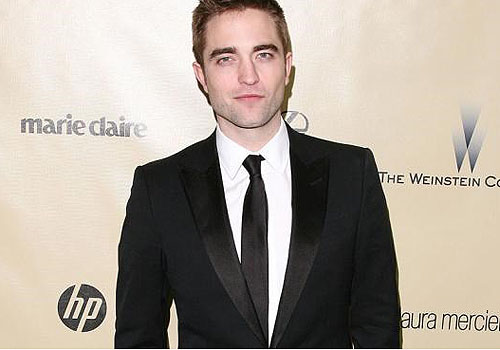 Robert Pattinson shuts people out his life